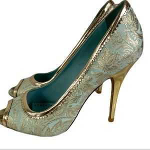 Tory Burch 7.5 Gold and Teal Heels 3.5""